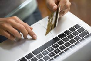 Acheter sur Internet, guide à usage des Seniors